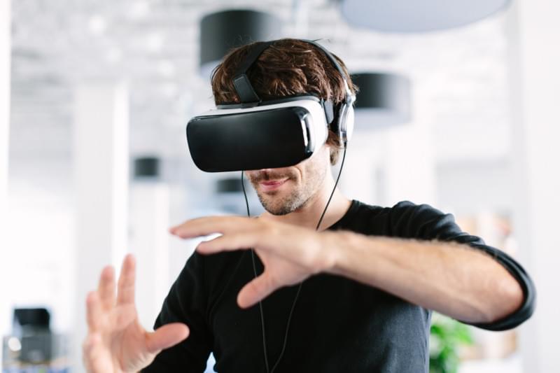 Cientistas desenvolvem pele artificial para levar o tato à realidade virtual